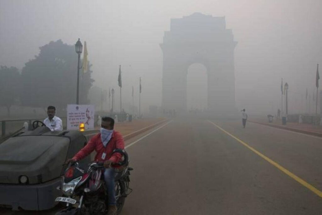 man in smoggy Delhi, budget 2021